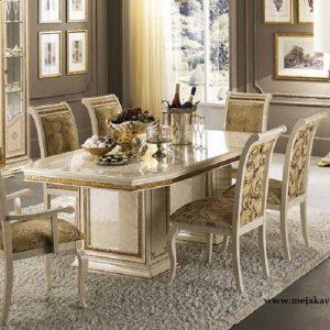 Meja Makan Mewah Modern