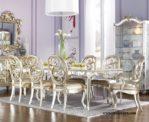 Meja Makan Mewah Warna Emas