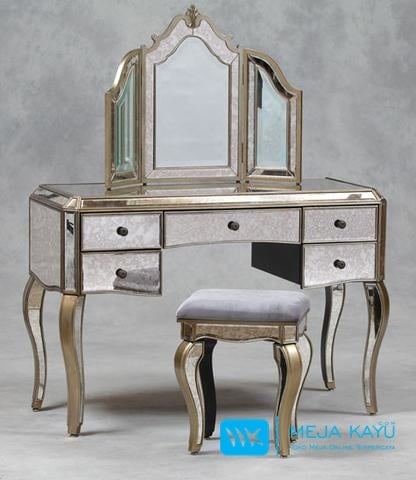 Meja Rias 3 Cermin Mewah