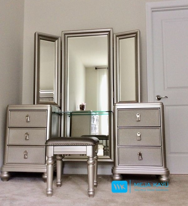 Meja Rias 3 Cermin Minimalis Silver